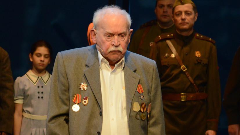 Умер старейший артист Театра Армии Александр Петров