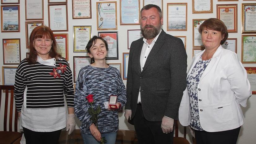 Выпускникам Удмуртии вручили 599 золотых медалей