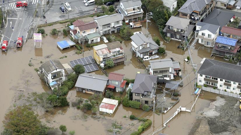 В двух префектурах Японии объявили эвакуацию из-за ливней