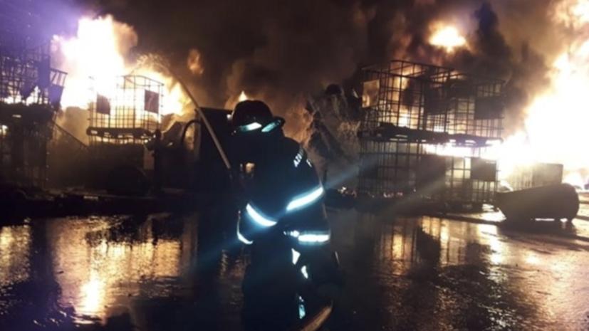 Пожар на фабрике в Баку полностью потушен