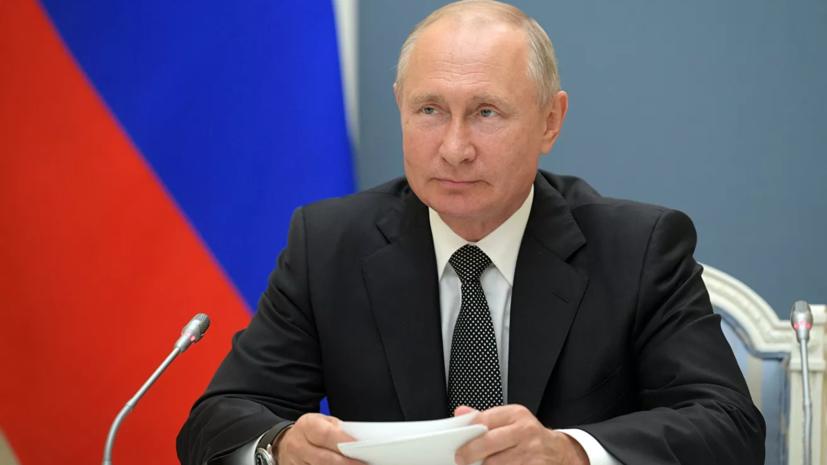 Путин и Мишустин поздравили работников морского и речного флота