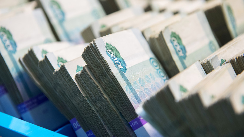 Кабмин выделит ещё 3,6 млрд рублей на выплаты соцработникам