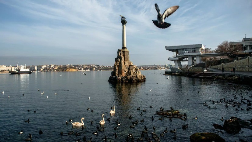 В Севастополе приостановлена работа паромной переправы из-за погоды