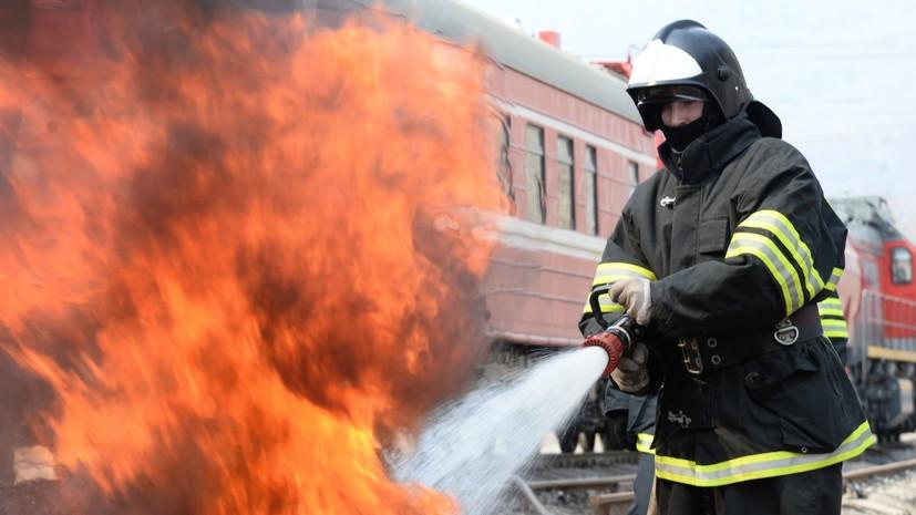 На тушение зданий «Казаньнефтеродукта» направилипожарный поезд