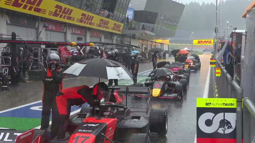 Гонка «Формулы-3» в Шпильберге была досрочно завершена из-за ливня