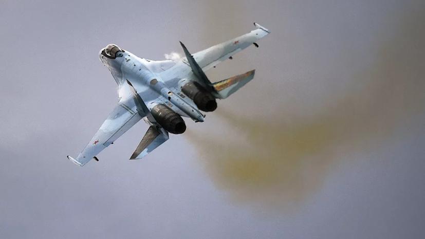 Су-35 и МиГ-31 сопроводили самолёт-разведчик США над Японским морем