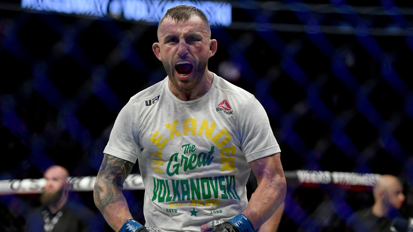 Волкановски одолел Холлоуэя и сохранил титул чемпиона UFC в полулёгком весе