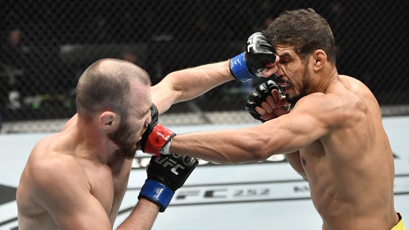 Тренер дал пощёчину Богатову в перерыве боя с Сантосом на UFC 251