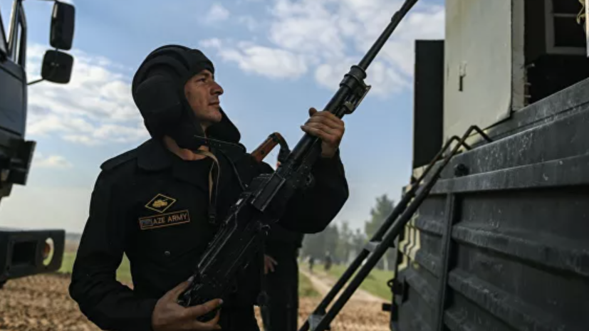 В Азербайджане заявили об обстреле села на границе с Арменией