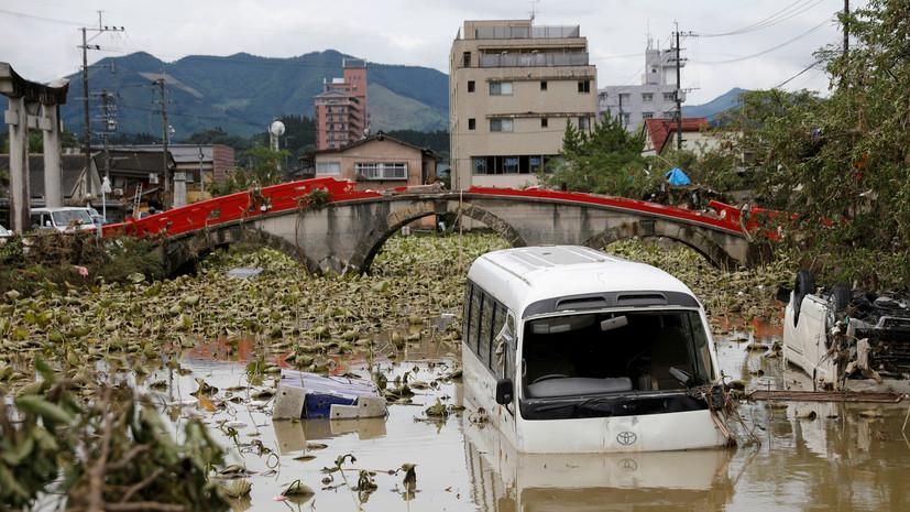 Абэ посетил пострадавшую от ливней префектуру Кумамото