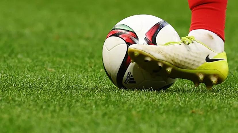 Судья ударил футболиста во время товарищеского матча российских команд
