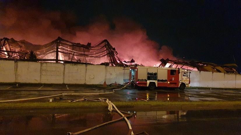 На обувном складе в Долгопрудном ликвидировали открытое горение