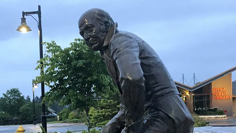 На Аляске пообещали перенести памятник Баранову в музей