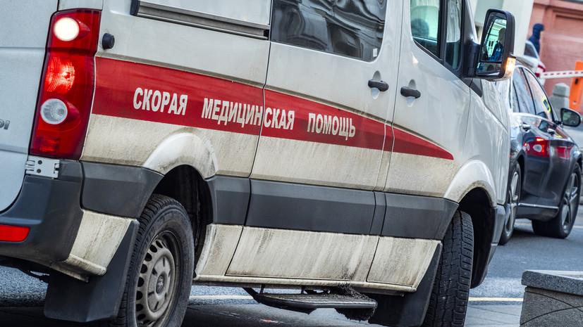 В Приморье при наезде авто на крыльцо школы пострадали четыре человека