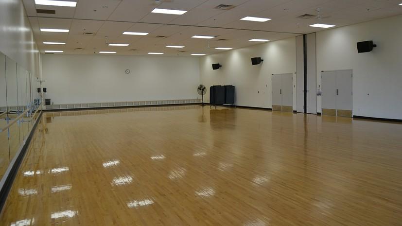 В Израиле закрывают спортивные залы и танцевальные студии