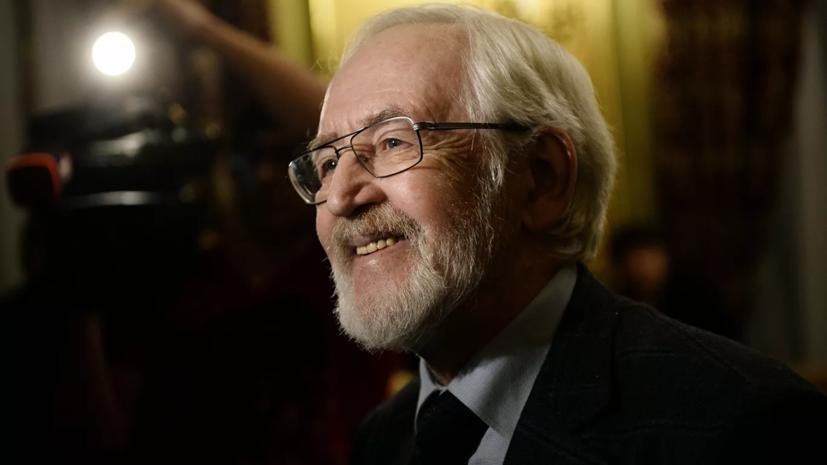 Президент поздравил актёра Василия Ливанова с 85-летием
