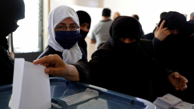 В Сирии продлили голосование на парламентских выборах