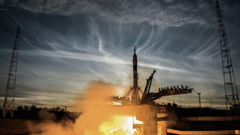 На Байконуре на старт установили ракету с грузовиком «Прогресс»