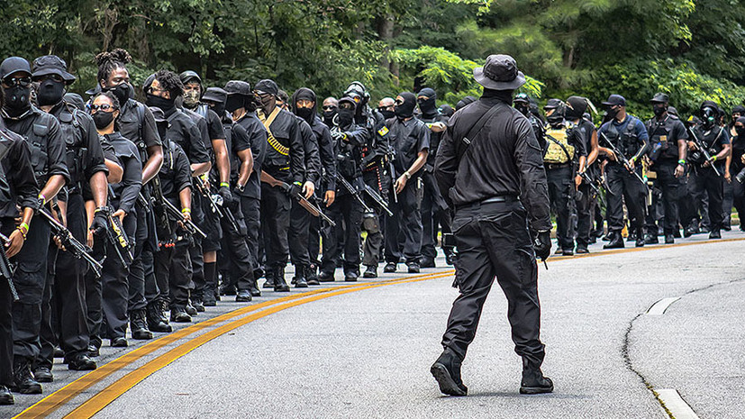 «Темнокожие жаждут принадлежать к чему-то»: глава радикального движения афроамериканцев о насилии и отделении от США