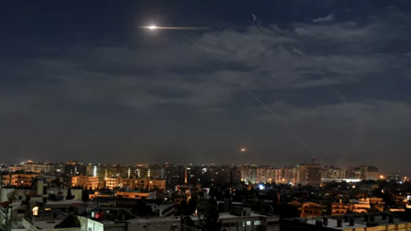 Минобороны Сирии сообщило об авиаударе на юге Дамаска