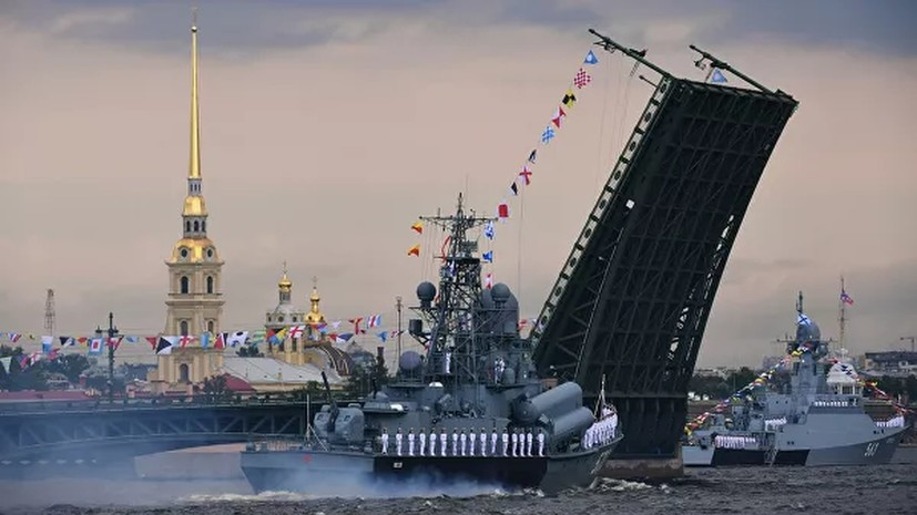 После парада в День ВМФ в Петербурге Дворцовый мост будет разведён под музыку