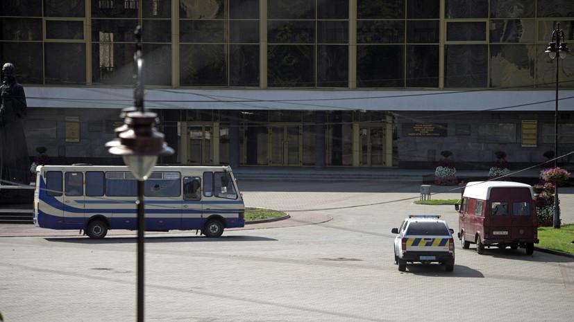 Зеленский лично разговаривал с захватившим заложников в Луцке