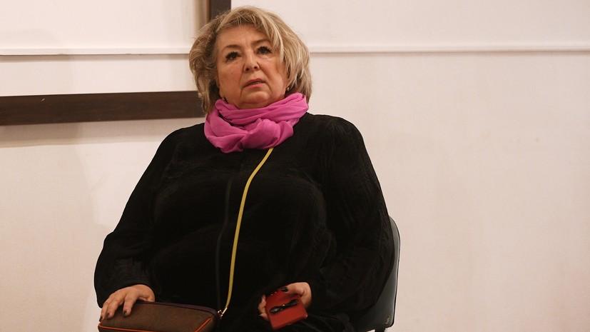 Тарасова помогает в постановке короткой программы Медведевой