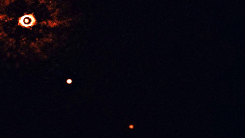 В созвездии Мухи: получено первое в истории изображение солнцеподобной звезды в сопровождении двух гигантских экзопланет