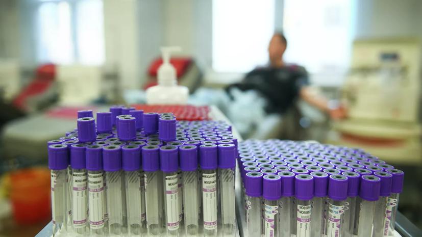 Около 7 тысяч сотрудников больниц в Петербурге заболели коронавирусом
