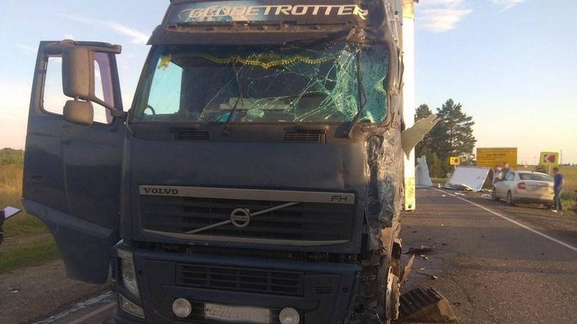 В Удмуртии в ДТП с участием грузовика и фуры погиб один человек