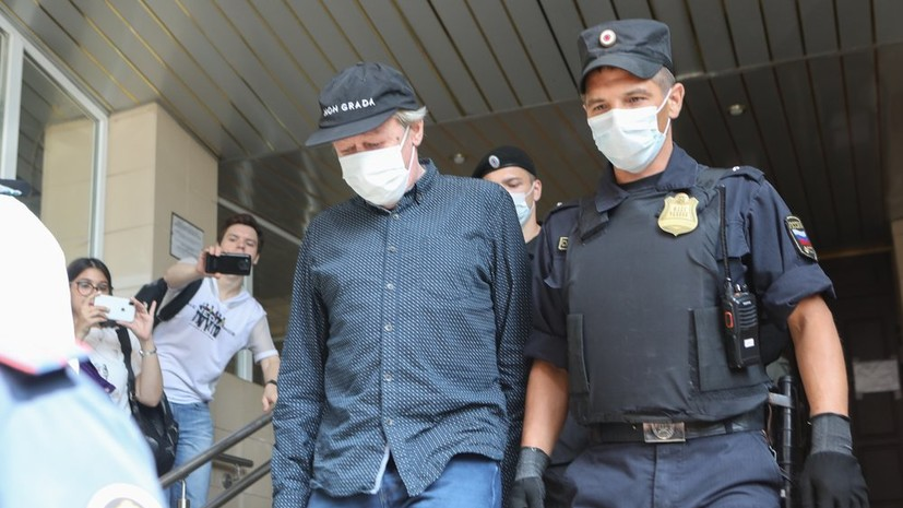 Суд продлил до 22 января срок домашнего ареста Ефремова