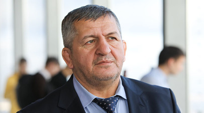 «Выразите соболезнования по телефону»: в Дагестане похоронили Абдулманапа Нурмагомедова