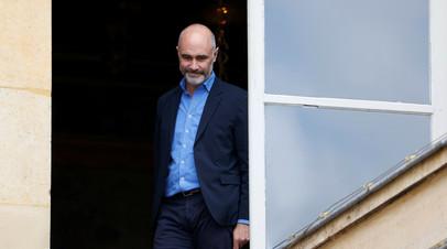 Подавший в отставку премьер Франции вступил в должность мэра Гавра