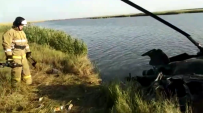 Видео с места жёсткой посадки вертолёта Ми-2 в Ростовской области