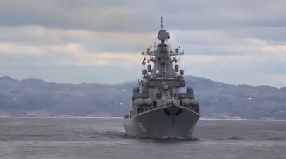Крейсеры «Пётр Великий» и «Маршал Устинов» открыли огонь по береговым целям условного противника