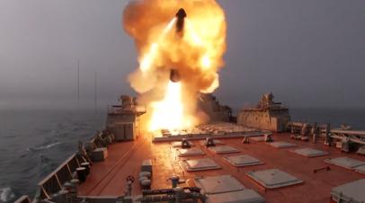 Ракетные крейсеры «Пётр Великий» и «Маршал Устинов» нанесли удар по условному противнику в Баренцевом море