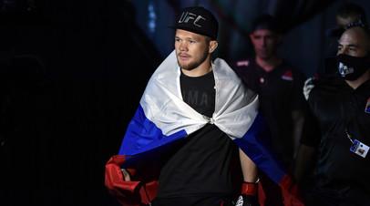 Российский чемпион UFC в легчайшем весе Пётр Ян