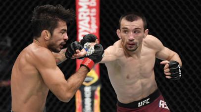 Российский боец UFC Аскар Аскаров и бразилец Александр Пантожа