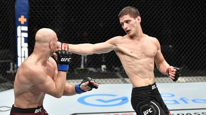 Поединок между Мовсаром Евлоевым и Майком Гранди на UFC Fight Island 3