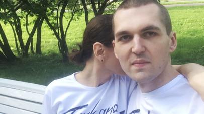 «Она в истощённом состоянии»: вдова рэпера Энди Картрайта задержана по подозрению в его убийстве