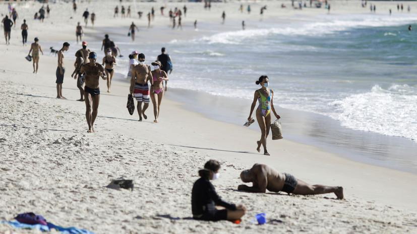 Число случаев заболевания коронавирусом в Бразилии превысило 2,7 млн