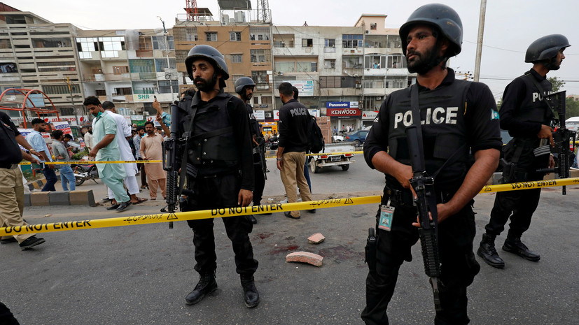 Почти 40 человек пострадали при взрыве на митинге в Пакистане