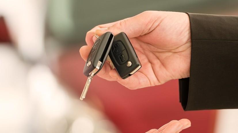 Продажи новых легковых автомобилей в России выросли на 6,8% в июле