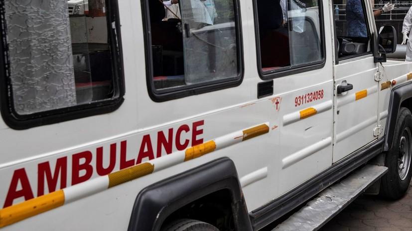 СМИ сообщили о более 30 пострадавших при ЧП с самолётом в Индии
