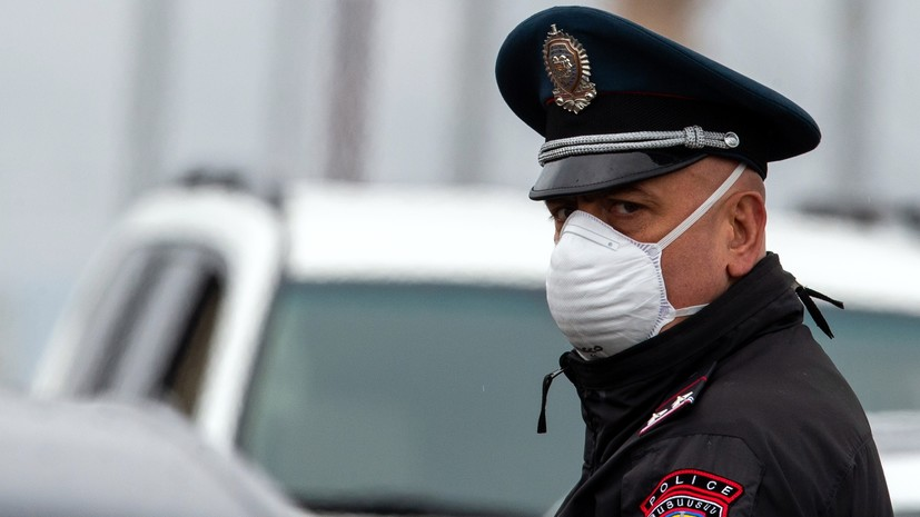 В Ереване эвакуировали Институт хирургии из-за возгорания мусора