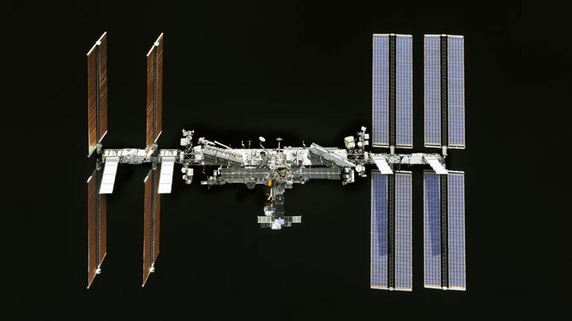 Российские космонавты на МКС поздравили Россию с Днём ВВС