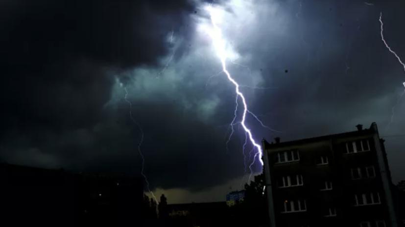 В Приморье объявили штормовое предупреждение на 14 августа