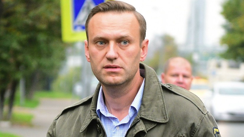 Омский Минздрав сообщил, что Навальный находится в естественной коме