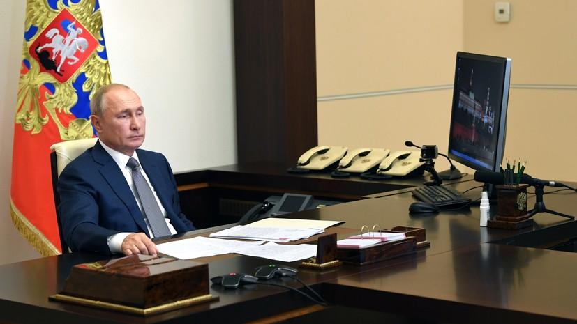 «Исходим из того, что проблемы будут решаться мирным путём»: Путин сформировал резерв силовиков для помощи Белоруссии
