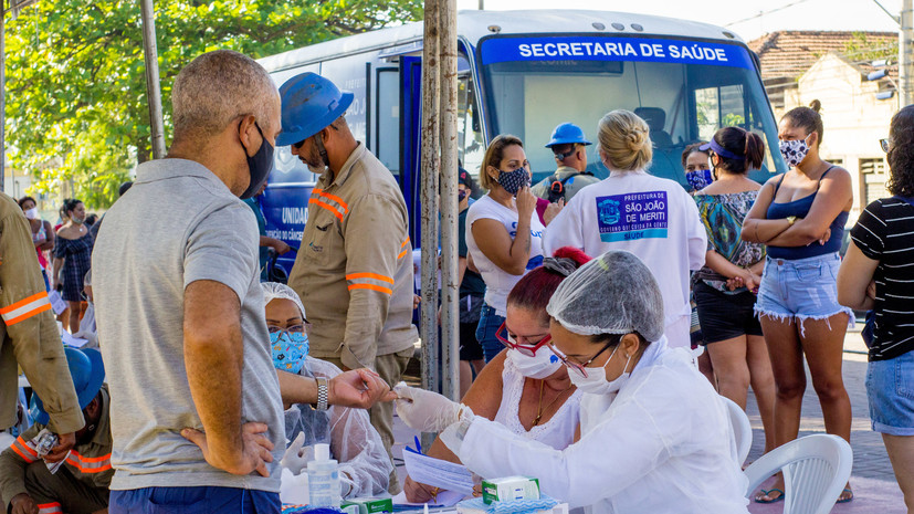 В Бразилии число выявленных случаев коронавируса достигло 3 761 391